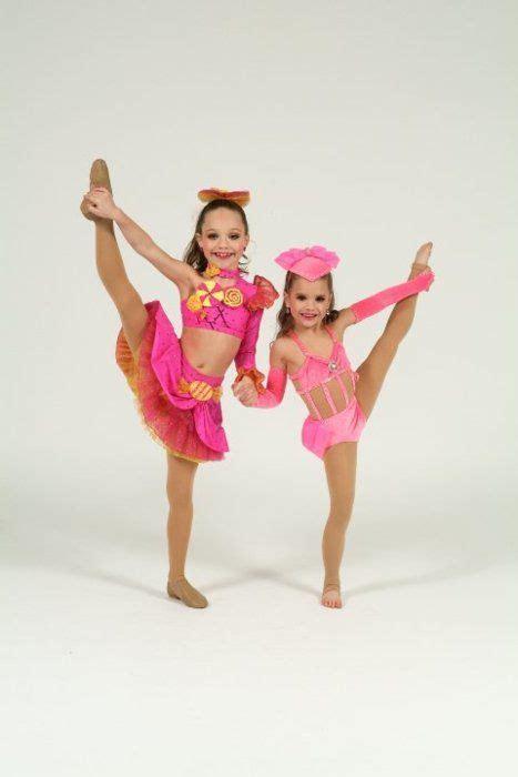 dance moms maddie and kenzie maddie ziegler and mackenzie ziegler how cute r they