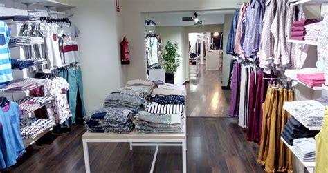 decoracion de tiendas de ropa modernas proyecto de dise 241 o y decoraci 243 n de tienda de moda celopman