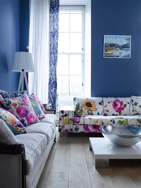 floral couch living room photo page hgtv
