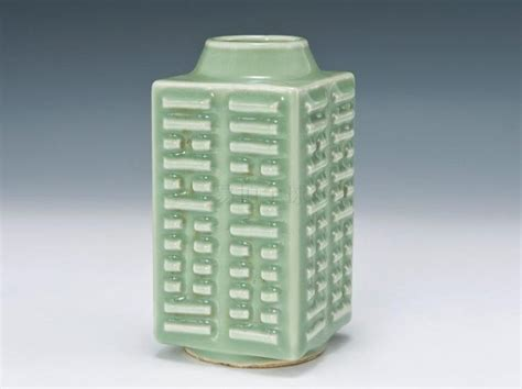 caitlin wilson street of dreams sneak peek giveaway celadon glazed cong shaped vase kangxi mark h 14 cm