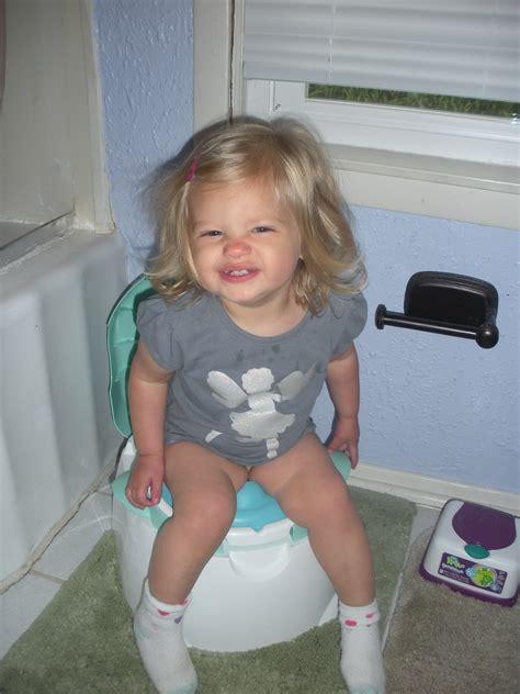 little girl potty training boys child in diapers start kindergarten how to potty train