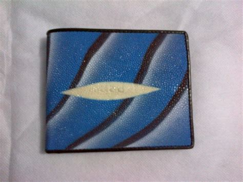 Organaizer Dompet Hp 2 Cat Selempang Kulit Biru dompet pria kulit ikan pari gradasi warna biru f kerajinan kulit ikan pari
