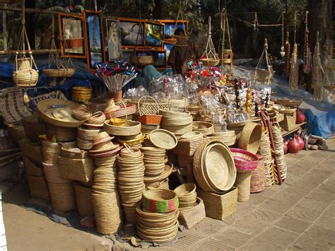 Valley Handcrafts - file handicrafts jpg wikimedia commons