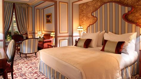chambres des m騁iers bordeaux h 244 tel 5 233 toiles bordeaux spa grand hotel de bordeaux