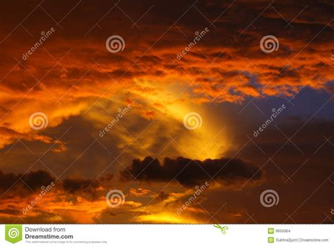 imágenes mujeres asombrosas nubes asombrosas imagenes de archivo imagen 9655064