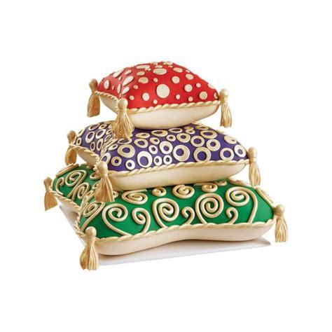 pillow pan set 3pcs wilton