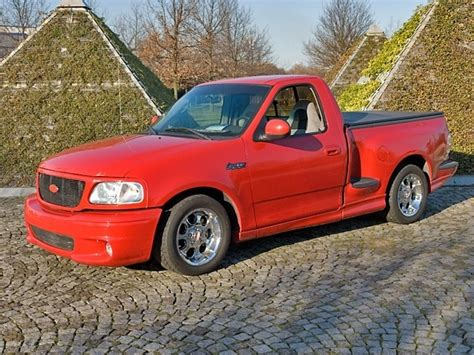 2002 ford f150 motor 2002 ford f 150 svt lightning overview cargurus