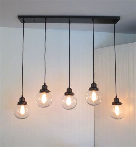 Pendant Light For Dining Table 25 Best Ideas About Dining Room Lighting On Pinterest Dining Room Light Fixtures Lighting