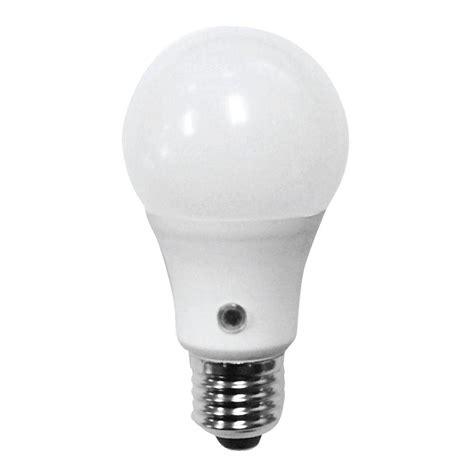 dusk till led light bulb feit electric 60w equivalent daylight a19 dusk till