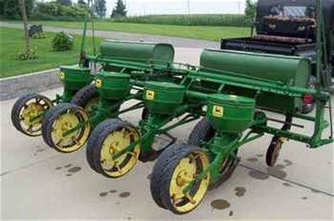 Deere 494 Planter by Used Farm Tractors For Sale J D 494 Corn Planter