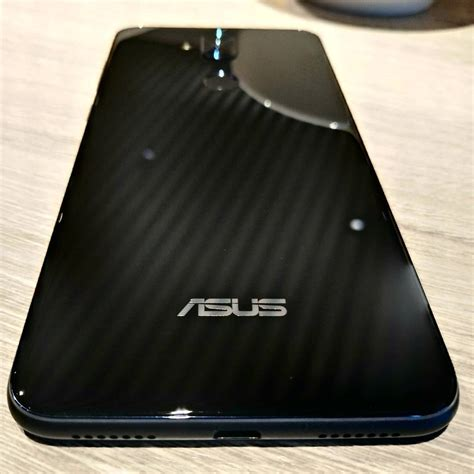 Led Asus Zenfone 5 asus zenfone 5 lite image leaked comes with dual glass back usb c and more