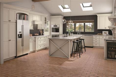 Merillat Kitchen Cabinets by Merillat Classic 174 Rowan W 5 Drawer In Maple Mist