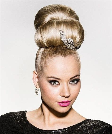 hairstyles blonde mesh chignon 156 best buns images on pinterest chignons bread rolls
