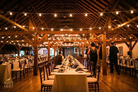 A Vermont Winter Wedding Wonderland   Dinner in the Brown