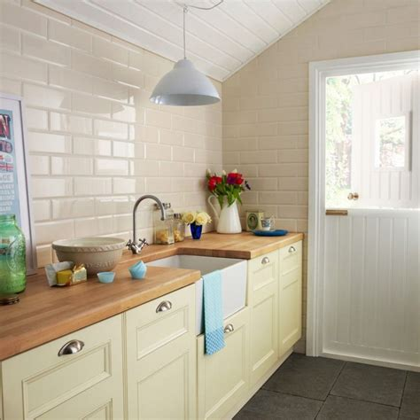 what color granite goes with cream cabinets cream cabinets with grey walls cream colored cabinets with