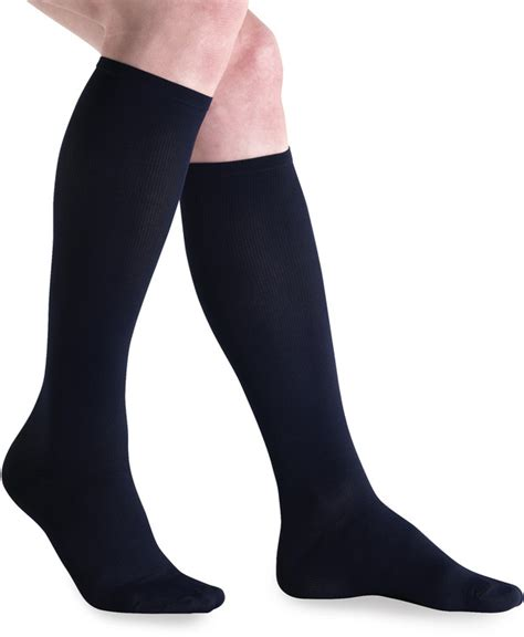 Compression Socks For Travellers Reviews Of Jobst Travel 15 20 Mmhg Knee High Compression Socks At Compression Socks