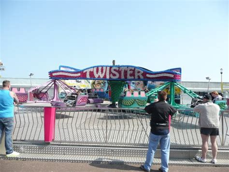 theme park yarmouth great yarmouth pleasure beach reviews and guide theme