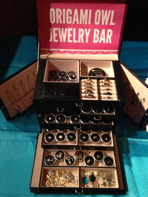 origami owl jewelry bar setup 565 best images about business ideas origami owl custom