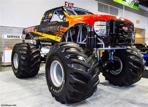 monster trucks bigfoot videos the bigfoot electric monster truck