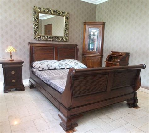 mahogany king bedroom set solid mahogany wood bedroom set sleigh bed bedside