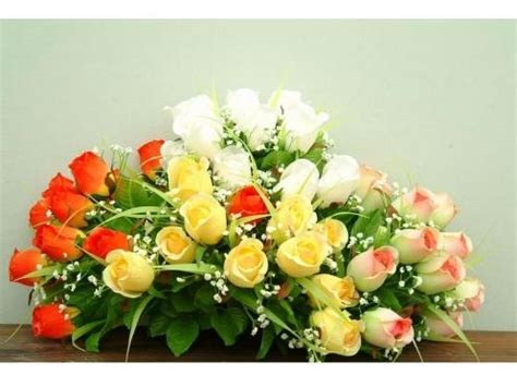 centrotavola con fiori finti decorazioni fiori finti piante finte decorare con i