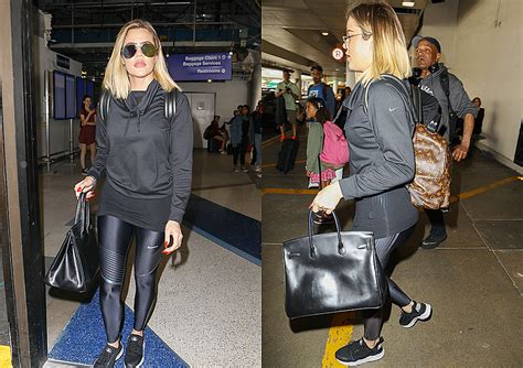 airport tarmac lax kim kardashian game photos video june 21 2017 khloe kardashian arrives at