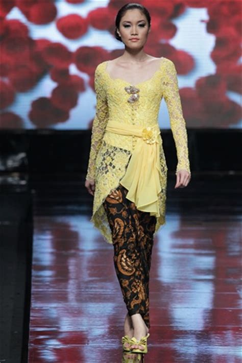 Baju Kebaya Kartini Polos 187 best images about kebaya on traditional models and the cinderella