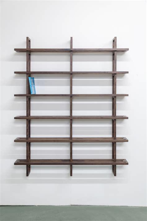 estante para livros de madeira estante de livros em madeira imbuia madeira design