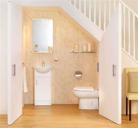 Bathroom With Walk In Closet Floor Plan by 4 Cool Under Staircase Toilets And Bathrooms