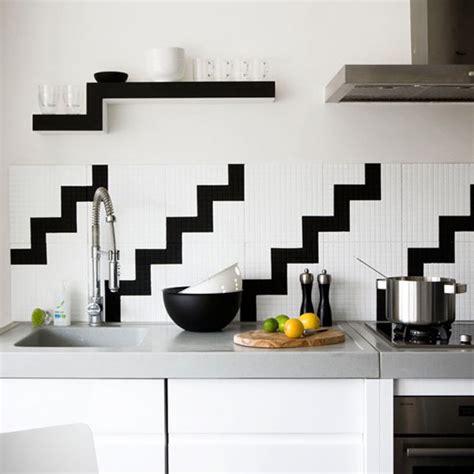 black backsplash tile ideas simple black and white kitchen 12 ideas para frentes de cocina