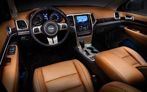 Jeep Overland Interior spied 2014 jeep grand with refreshed grille