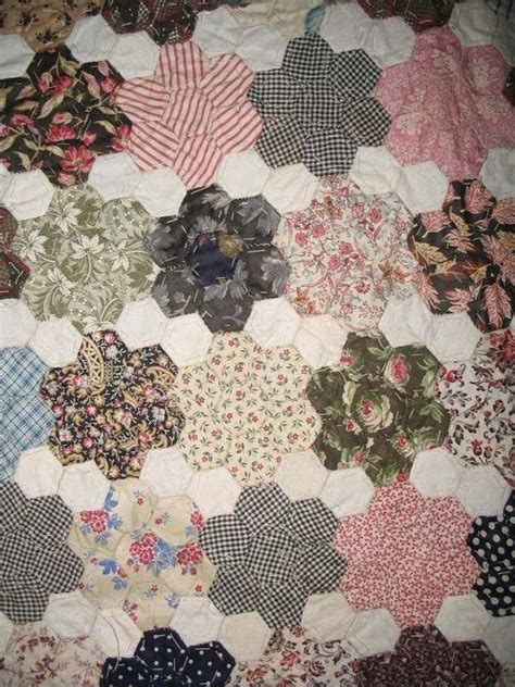 Hexagon Papers For Patchwork - 153 best images about hexagon quilts on