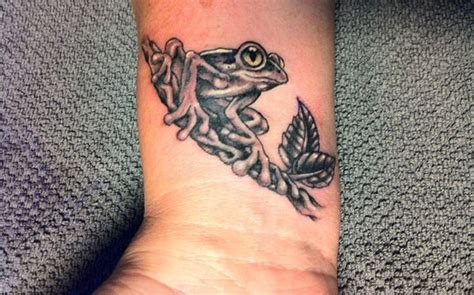 tribal frog tattoo 39 awesome tribal wrist designs