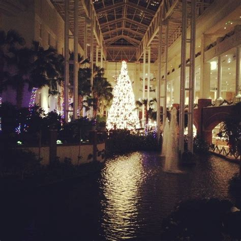 christmas decorations at gaylord opryland hotel nashville