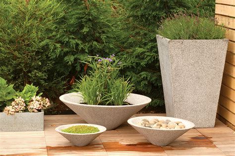 Garden Planters Uk by Conical Garden Planters Bau Outdoors