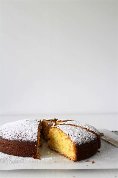 classic vanilla cake made from scratch