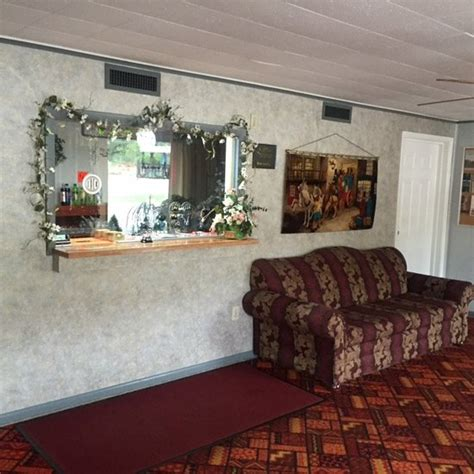 Paint Room Connellsville Pa by Melody Motor Lodge Updated 2017 Reviews Price