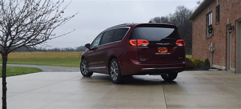 Chrysler Ohio by Top 5 Features Of The 2018 Chrysler Pacifica Hybrid