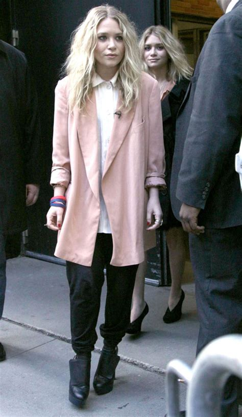 mary kate olsen street style street style mary kate olsen s best off duty outfits