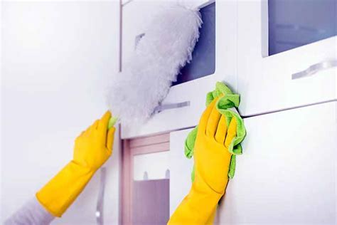 Ultimate Guide to Cleaning Kitchen Cabinets & Cupboards