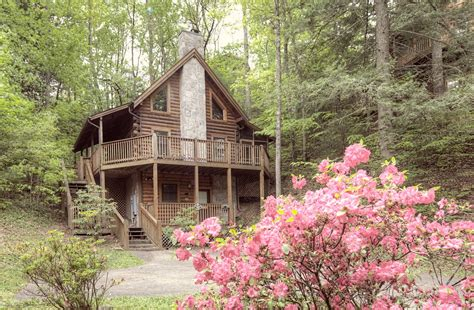 Top 6 Reasons To Stay At Our Pigeon Forge Cabin Rentals | 6 reasons to stay in our pigeon forge cabins for your