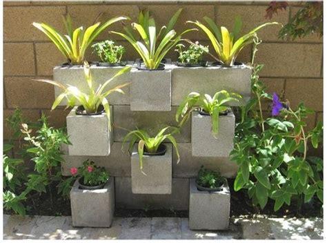 libro il giardino di cemento blocchi di cemento fioriti 20 idee per decorare il giardino