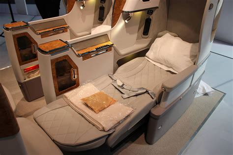 emirates business class emirates reveals new boeing 777 business class seat