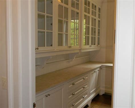 Pull out pantries country kitchens with butler pantry small butler s pantry kitchen ideas
