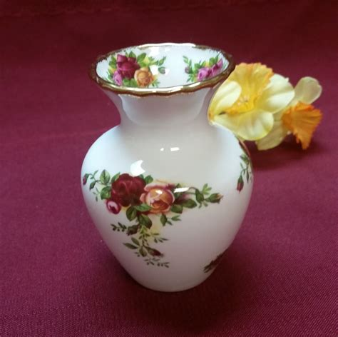 Royal Albert Country Roses Vase by Vintage Royal Albert Country Roses Vase 1962
