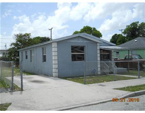 houses for sale in west palm beach 1024 18th st west palm beach florida 33407 foreclosed home information foreclosure