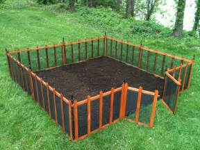 Flower Bed Fencing Dog - garden fences look great amp protect your garden