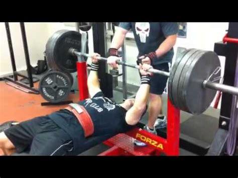 world record bench press 165 lbs phillip brewer 440 bench press 165 doovi