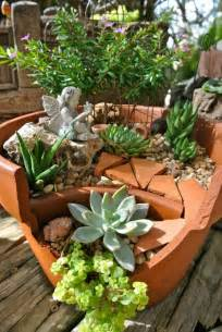 Fairy Garden Container - 15 awesome succulent garden ideas