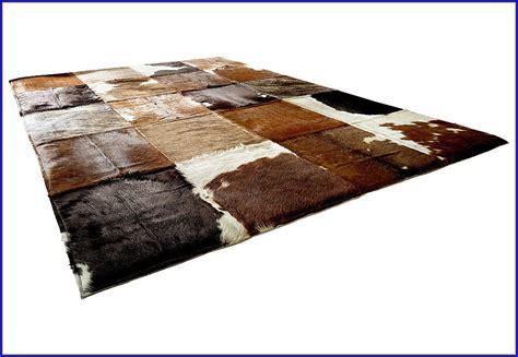 kuhfell teppich kuhfell teppich imitat schwarz teppiche hause